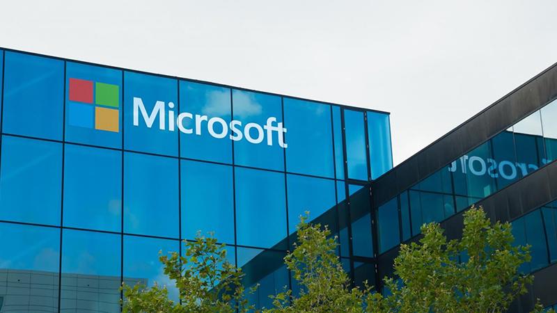 Microsoft Japonya Çalışma Günlerini 4'e İndirdi, Üretkenlik Tavana Vurdu